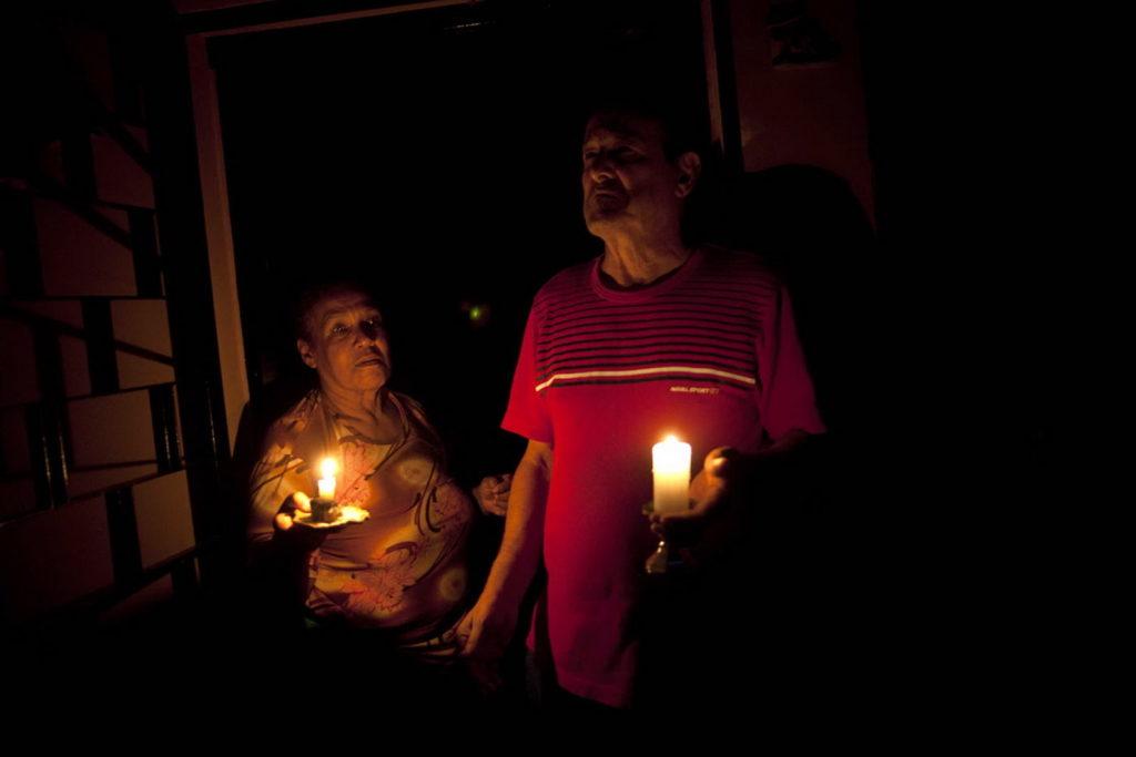 Срочный вызов электрика в квартиру во время отключения электроснабжения по стояку